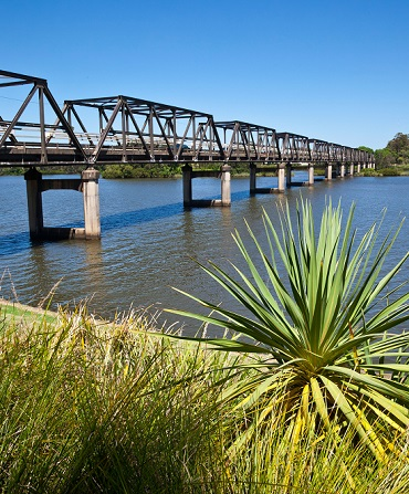 D2FDPX Australia, New South Wales, Mid North Coast, Taree, Martin Bridge over the Manning River